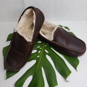 Ugg Men's Brown Ascot Leather Slipper Size 10